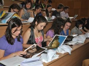 Conferinta de la Sibiu a reunit elevi, studenti si reprezentanti ai organizatiilor de tineret din regiune