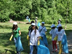Prin actiunile sale, Forumul Ecologistilor isi propune educarea tinerilor in spiritul protectiei mediului inconjurator