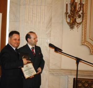 SENATORUL IONEL AGRIGOROAEI-PREMIUL DE ACTIVITATE 2013