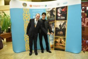 President Dr. Anton Caragea and Kazakh actor Asylkhan Tolepov