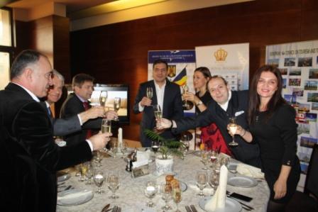 Ambassadors toasting for World Tourism 2016