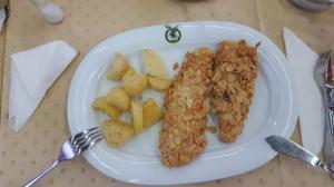 Salau cu Migdale-Perch with Almonds