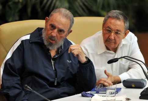 raul-castro-and-fidel-castro-revolutionary-united