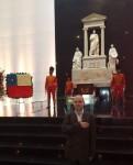 president-anton-caragea-at-simon-bolivar-mousoleum-in-caracas-web